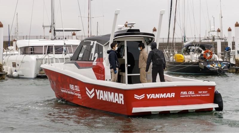 1st sea trial of Yanmar/Toyota hydrogen fuel cell boat