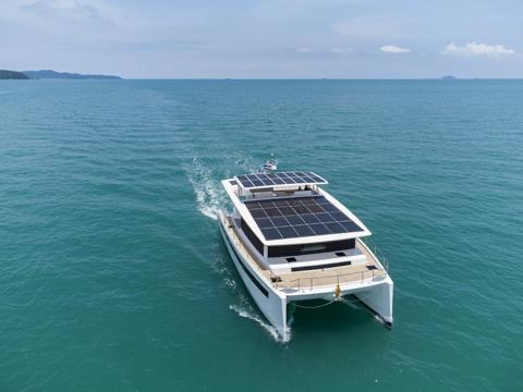 First Silent 60 solar electric cat with kite wing launched